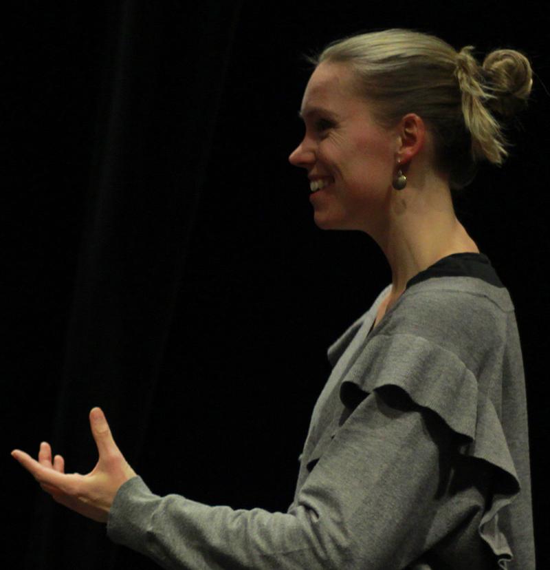Marie Westergaard underviser i sang via CVI teknikken Musical pop rock